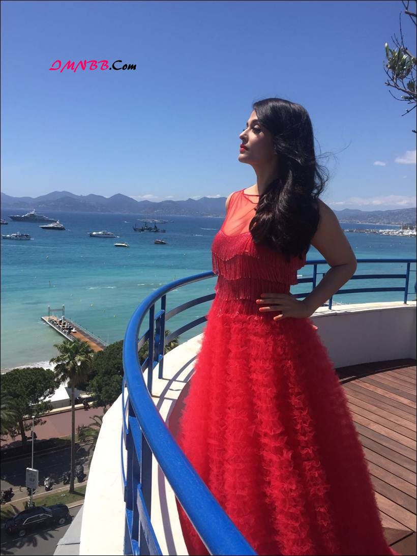Aishwarya Rai Bachchan Dazzles in Red at Cannes Film Festival 2016