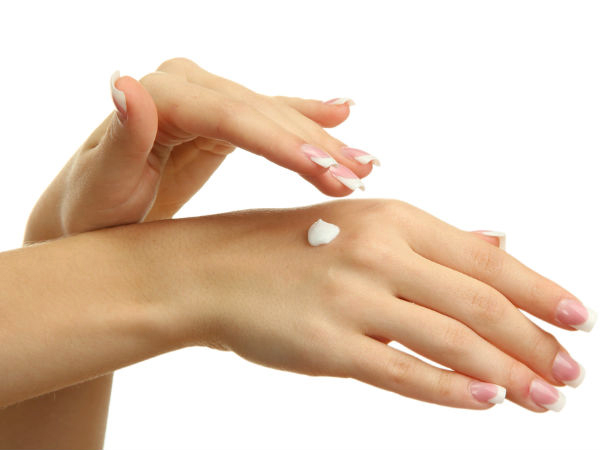 Coconut Oil Apply on Dry Hands