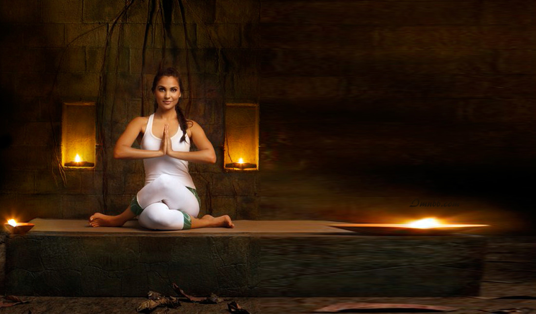 Lara Dutta Yoga