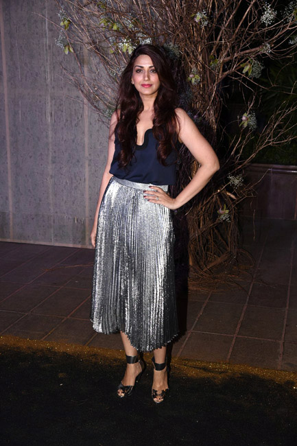 Celebrities Wearing Metallics This Party Season - Sonali Bendre