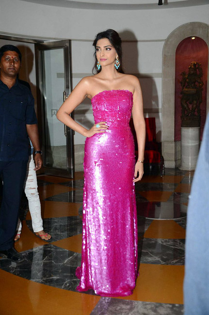 Celebrities Wearing Metallics This Party Season - Sonam Kapoor