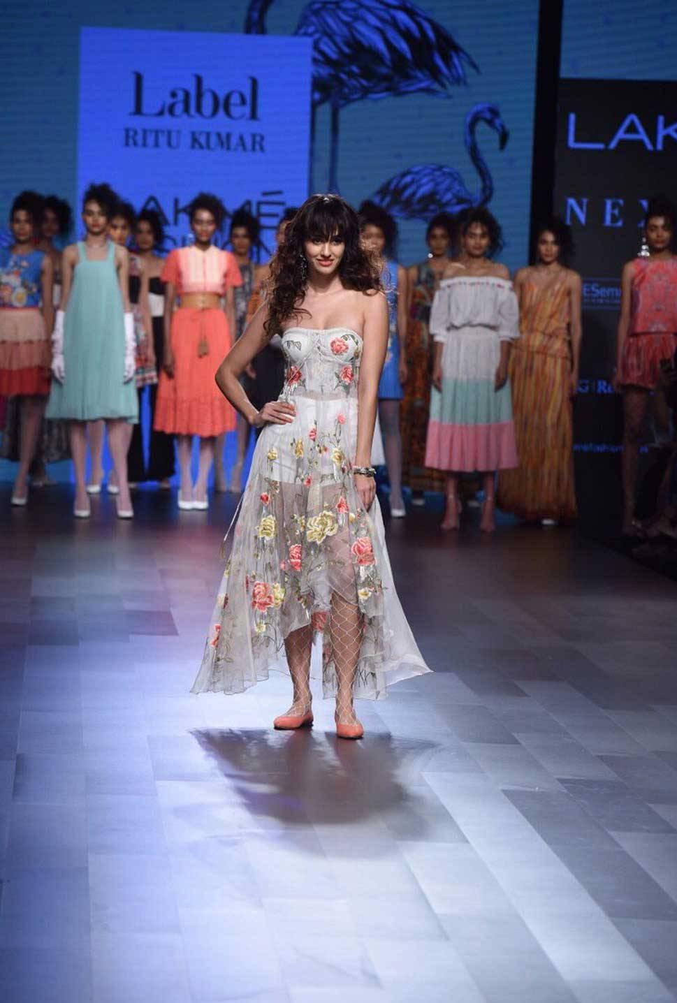 Disha Patani at Lakme Fashion Week August 2017