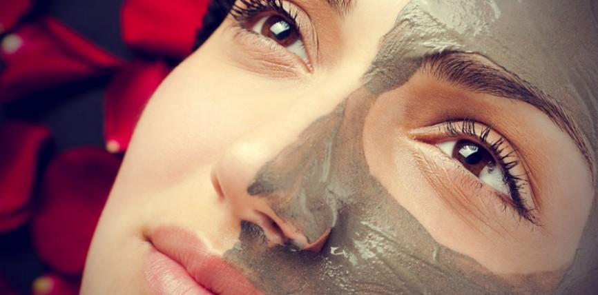 Khadi Mauri Clay Based Face Mask Review